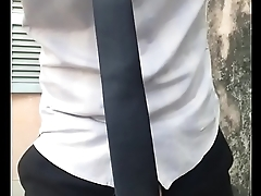 đi l&agrave_m m&agrave_ nứng cặc qu&aacute_ jerk off outdoor after working.MOV