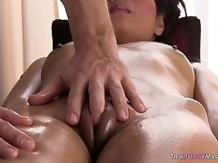 Horny sweeping gives the masseur a blowjob
