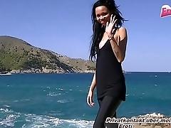 Outdoor Footjob von deutscher 18 Teen Ebony auf Mallorca