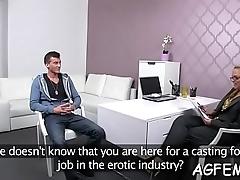 Female agent adores affecting sex