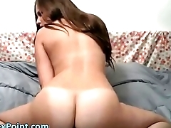Round ass amateur reverse ridding at its best