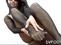 Hawt footjob by beauty