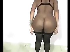 Amanda Goulart empinando gostoso o rab&atilde_o