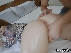 Oiled white round booty bouncing on cock