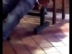 Flagra - De pau duro no restaurante