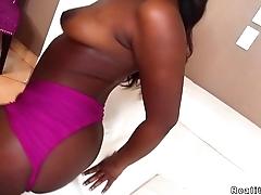 Ebony twerking on Miami streets