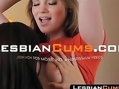 LesbianCums.com: Young Lesbian Handy BFF Pussy Cum