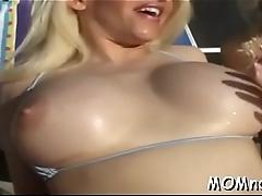 Quick striptease previous to sex