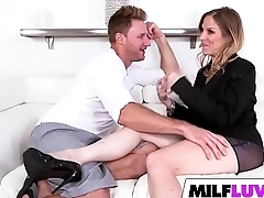 MILF Samantha Sheridan Knows How To Seduce