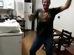 Rodolfo Dan&ccedil_ando ao som de Thomas e seus amigos feat. Biggie Samlls