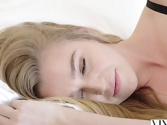 VIXEN Kendra Sunderland Shares a huge cock with her team up