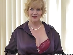 American gilf Sindee Dix will feign you what she likes most