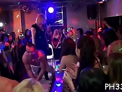 Cuties wants to fuck the army dancer